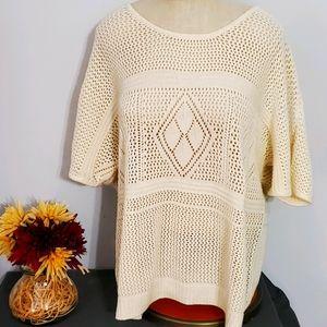 Torrid Cream Size 2 Short Sleeve Sweater